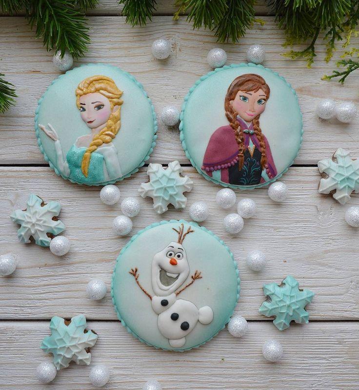 2 отметок «Нравится», 1 комментариев — Пряничные чудеса! (@nataliatofanyuk) в Instagram: «Будущие топперы на торт. В этом месяце 3 заказа с этими персонажами.Видимо зима близко!…»