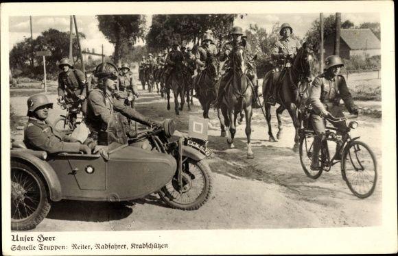 Ansichtskarte / Postkarte Deutsche Wehrmacht, Krad Fahrer, Fahrradfahrer, Reiter, BMW Motorrad mit Beifahrersitz, WH-43427