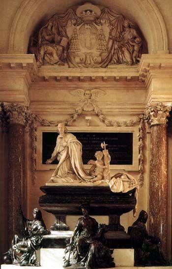 Le Collège des Quatre-Nations à Paris: Le tombeau du Cardinal Mazarin, suivant un dessin de Mansart par Antoine Coysevox, Etienne le Hongre et Jean Baptiste Tuby, fut achevé en 1693 alors que la chapelle des Quatre-Nations fut quasiment terminée en 1674.