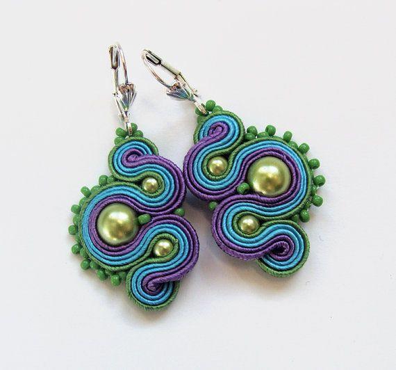 Soutache multicolor boucles d'oreilles broderie faite main vert bleu turquoise violet bandes satin TOHO oaak cadeau pour elle moins de 50