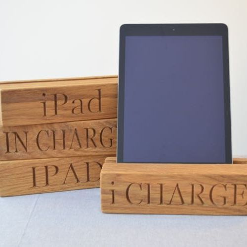 Personalised Single Tablet Oak Charging Block £28 https://www.giftwrappedandgorgeous.com/personalised-single-tablet-oak-charging-block-22151