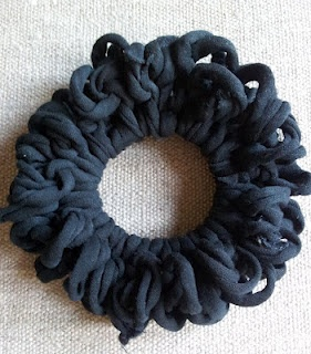 Scrunchy made of tarnCrafts Ideas, Yarns Www Recycledn2Yarn Com, Knits Hair, Tarn Scrunchie, Accessories Crochet, Cours Showca, Clever Crafts, Recycle Projects, Recycle Yarns