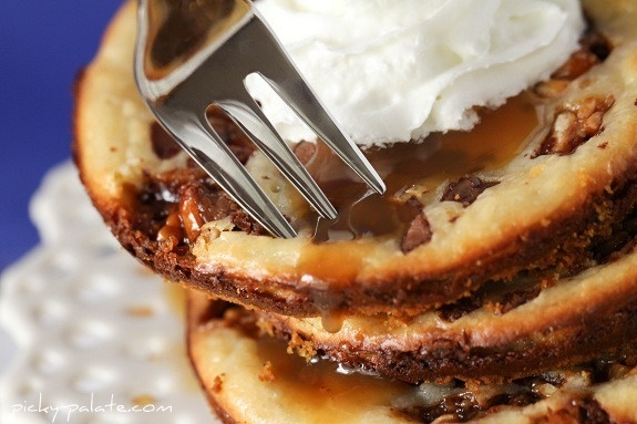 snickers caramel cheesecake cookies | Style | Pinterest