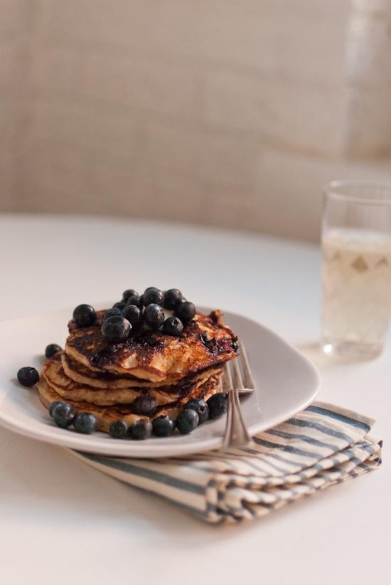 bluberry lemon yogurt pancakes