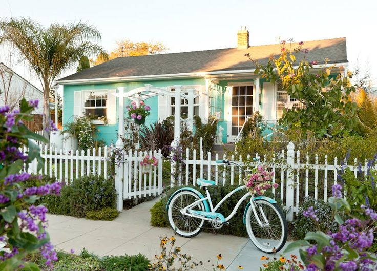 I would like to live here, please.: Bungalows, Picket Fences, Beach Cottages, Bike, Beaches House, Dream, Tiffany Blue, Little Cottages, Beaches Cottages