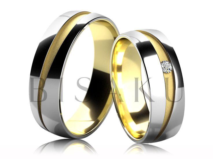 4686-2 Snubní prsteny v kombinaci bílého a žlutého zlata v lesklém provedení, jejichž prostřední část je zdobena matnou diagonálně vedenou drážkou (pískování), která se postupně rozšiřuje a zužuje po celém obvodu prstenů. Dámský prsten je zdoben jedním kamenem. #bisaku #wedding #rings #engagement #svatba #snubni  #prsteny