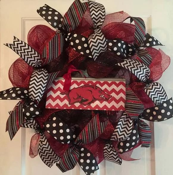 Photo: Arkansas Razorbacks wreath