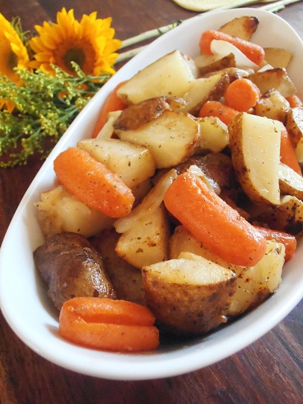 Jam Hands: Roasted Ranch Potatoes and Carrots Make my own Ranch seasoning for this...