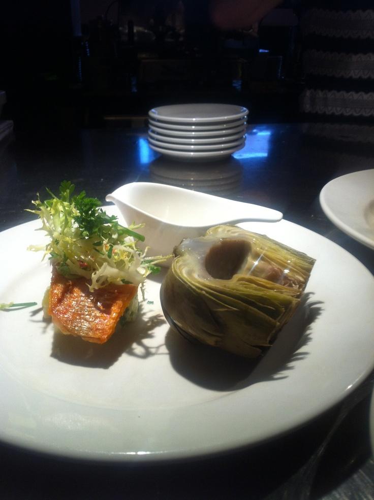 Salade van knol en bleekselderij met gebakken rode mul, halve artisjok met citroen mayonaise .....