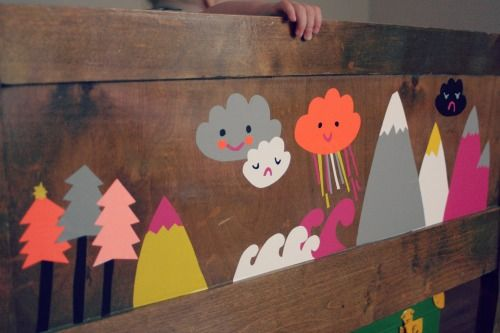 MUITA IHANIA: LASTENHUONEESSA...this would be cute in a kids room as a headboard
