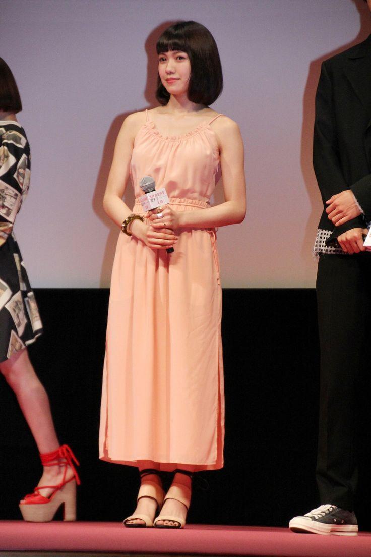 女優の二階堂ふみさんが27日、東京都内で行われた映画「オオカミ少女と黒王子」(廣木隆一監督)のジャパンプレミアに出席。スリット…