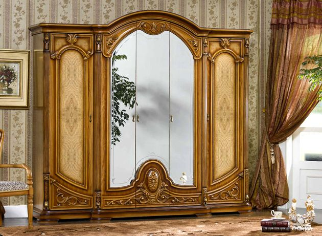 model lemari pakaian victorian style