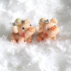 Boucles d'oreille petit cochon en fimo et perle