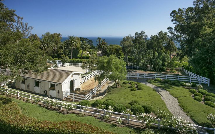 Equestrian Estate for Sale in  Santa Barbara County in California. Showcasing its timeless elegance is a gracious California coastal estate with sweeping ocean and island views. Privately situated on nearly 4 usable acres, this dreamy Hope Ranch estate extends street to street, from Mariposa to Marina Drive. A home perfectly suited for entertaining, the approximately 6,778 square foot residence is elegant, yet casual and inviting.