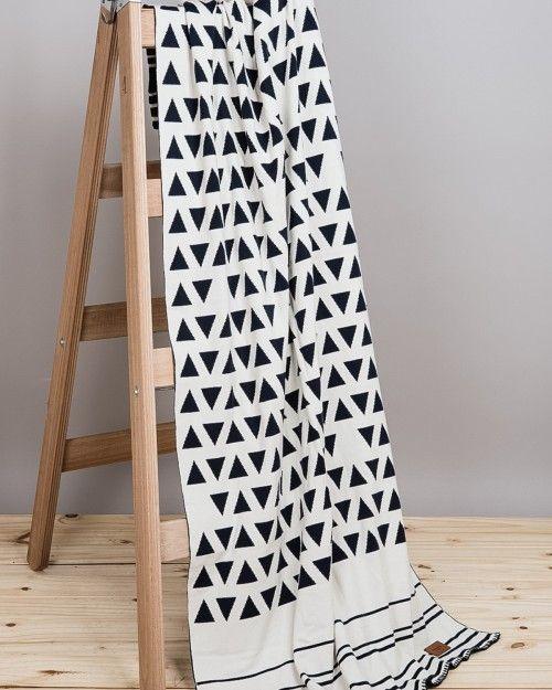 Manta de Jackard tejida reversible de puro algodón. Medida: 2m x 0,9m.