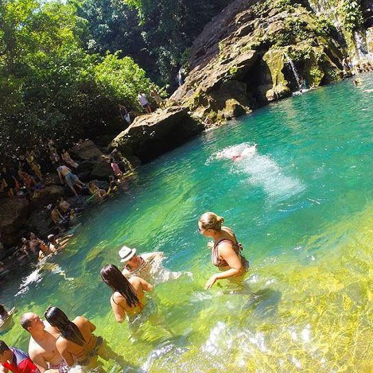 O Poço Azul encanta qualquer tipo de turista. O local é uma das atrações da Chapada das Mesas, no estado do Maranhão. Vale a visita!