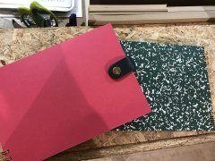 薬院駅近くで 世界にひとつだけの マイ ノートが作れます()自分への夢ノート そして これから引き継いでいただく 後輩へのプレゼントに作ってきましたぁ 表紙も 中のノート 留め具にデザインも自由に 組み合わせ オリジナルで作れます 可愛い文房具もたくさんあってワクワク() ノート注文後 完成までの待ち時間は 美味しいコーヒーにサンドイッチも販売しており cafeスペースでひと息 1000円 前後で作ることが出来ます 皆様も是非 オリジナルノートを作って ワクワクドキドキしてみませんか()  ハイタイドストア http://ift.tt/2uLRyHT  #福岡 #白金 #文具屋 #文房具 #オリジナル #ノート #カフェ tags[福岡県]