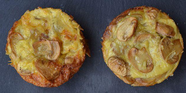 De her æggemuffins med masser af champignoner er bare gode! Jeg spiser dem både til frokost, brunch og tager dem med på madpakke.