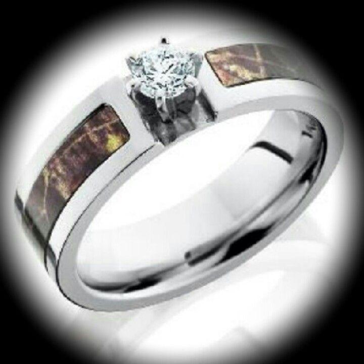 Stunning Camo wedding ring