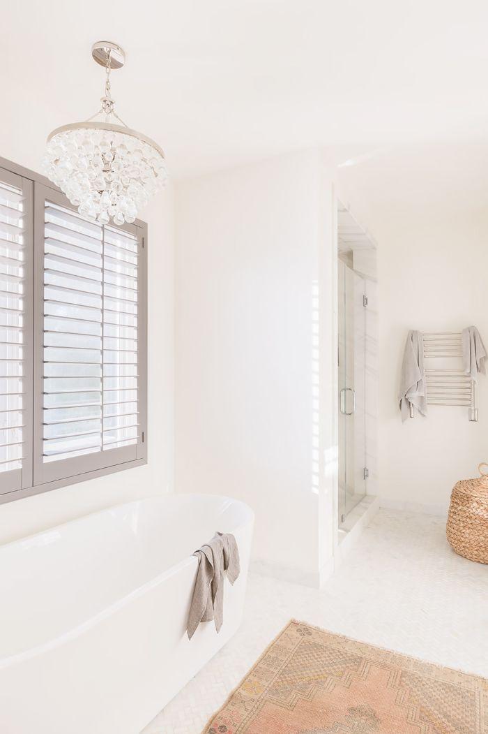 10 Bathroom Lighting Ideas to Make You Look Your Best via @MyDomaine