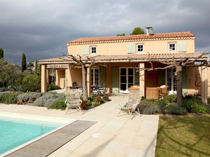 Piscine sur terrasse provençale