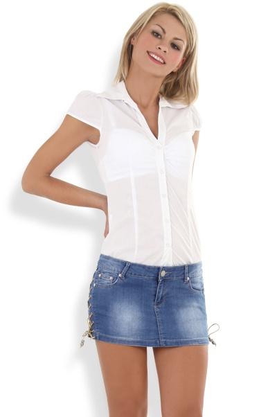Abbigliamento da Donna  http://www.abbigliamentodadonna.it/jeans-gonna-classica-donna-p-1026.html Cod.Art.001049 - Jeans gonna classica da donna attenta alla moda e amante dello stile casual e della comodita' con gusto e sobrieta'.