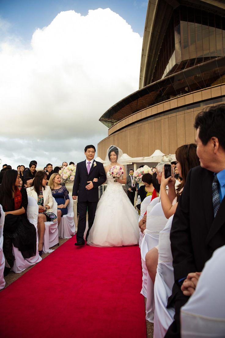 Photography: gm photographics - www.gmphotographics.com.auRead More: http://stylemepretty.com/2013/10/03/sydney-opera-house-wedding-from-gm-photographics/