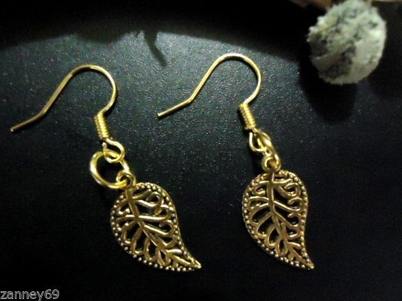Stunning Yellow Gold Dangle Leaf Earrings Lovely Gift!!
