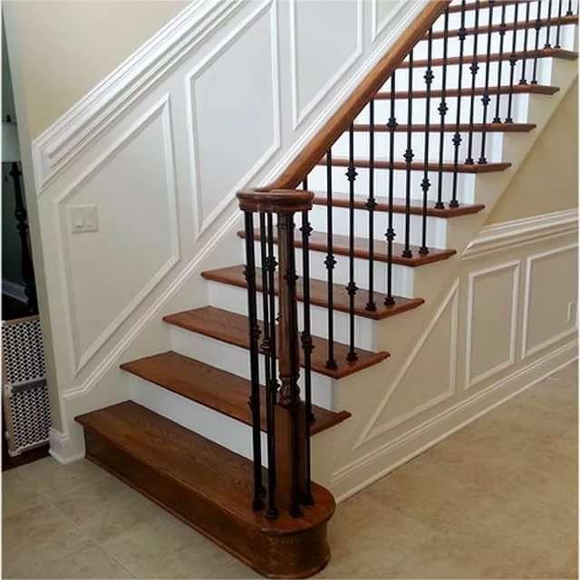 лестница в доме с коваными перилами белого цвета: 10 тыс ...