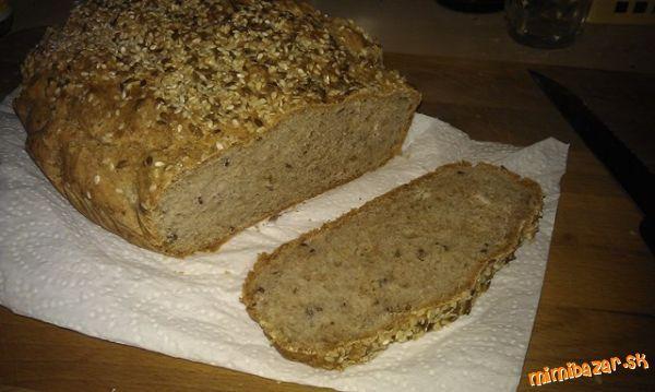Inšpiráciu som našla na http://varecha.pravda.sk/recepty/irsky-chlieb-zo-spaldovej-muky-nemieseny-ne...