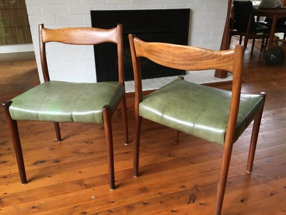 Pair of Fler 64 dining chairs by Fred Lowen by TriBecasVintage