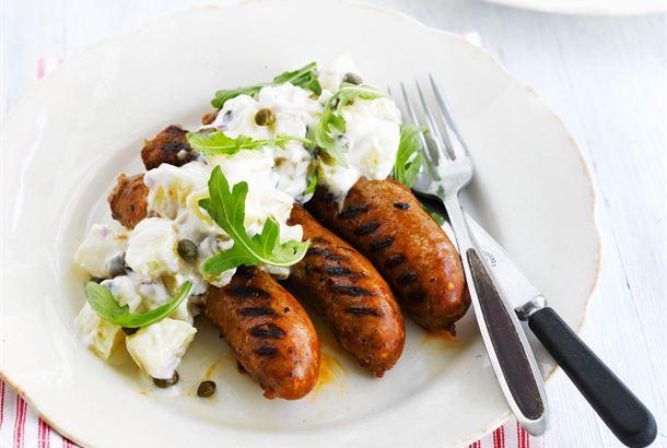 Perunasalaatti ✦ Perunasalaatti sopii erityisen hyvin grillatun lihan lisäkkeeksi. Mehevän perunasalaatin salaisuus on sitruunainen jogurttikastike. http://www.valio.fi/reseptit/perunasalaatti-1/