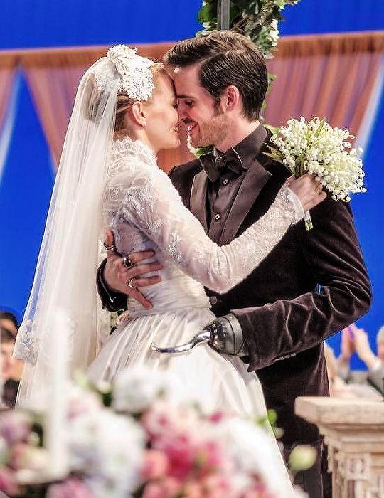 #Once Upon a Time - Emma Swan married Captain Hook (Killian Jones)