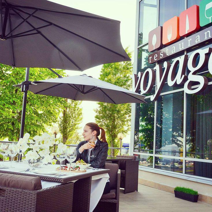 Вечерний релакс на краю мегаполиса... #evening #relax #kharkov #hotelOvis #restaurant #Voyager