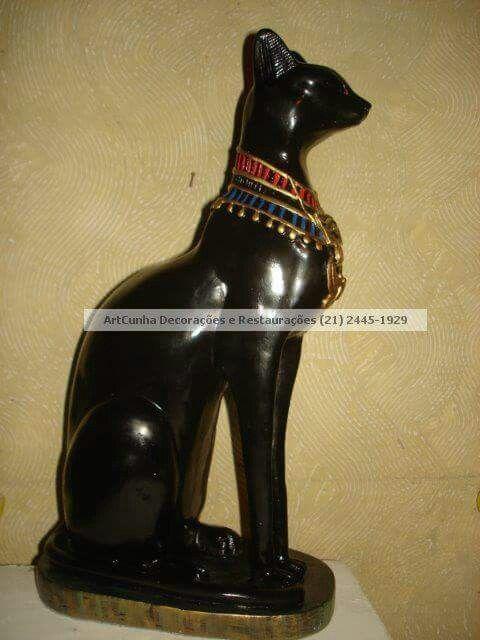 Bastet, 40 cm. Peças egípcias. ArtCunha Decorações  Tel: (21) 2445-1929 / 98558-3595.  #Bastet #Egito #divindade #gato #egípcio #egipcio #egípcia #egipcia #antigoegito #escultura #decoração #decoracao #artesanato #gesso #arte #art #fábrica #fabrica #restaura #restauro #restauração #restauracao #fabricação #fabricacao #egypt