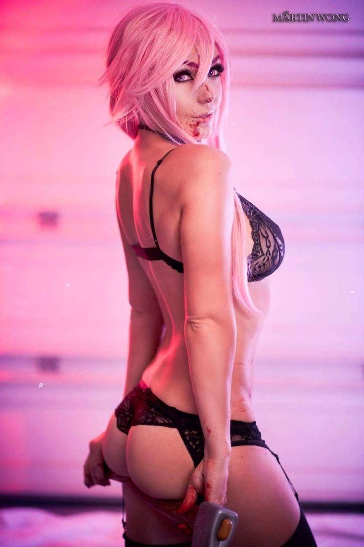 Cosplayer: Jessica Nigri.  Country: United States.  Cosplay: Yuno Gasai from Mirai Nikki.  Photo by: Martin Wong.  https://m.facebook.com/OfficialJessicaNigri/