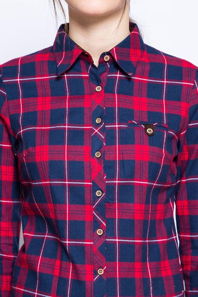 Женская рубашка в красно-синюю клетку в стиле кантри