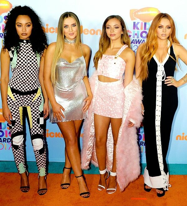 At the KCA'S orange carpet. I'm extremely in LOVE with Perrie's dress