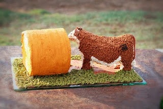 This groom's cake is too cute! Good ideas for future cow cake, though not sure I can make a cow up to our standards. @Anna Freese