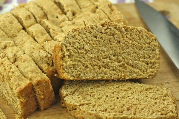 Low Calorie Dessert // Healthy Banana Bread (107 calories per giant slice)