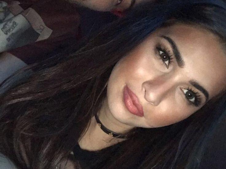 """Die junge Pornodarstellerin Olivia Nova ist gestorben. Sie wurde am Sonntag tot in Las Vegas aufgefunden. Offenbar hatte sie zuletzt eine schwierige Zeit zu bewältigen. Die Pornodarstellerin Olivia Nova ist im Alter von nur 20 Jahren gestorben. Das hat ihre Künstleragentur """"LA Direct..."""