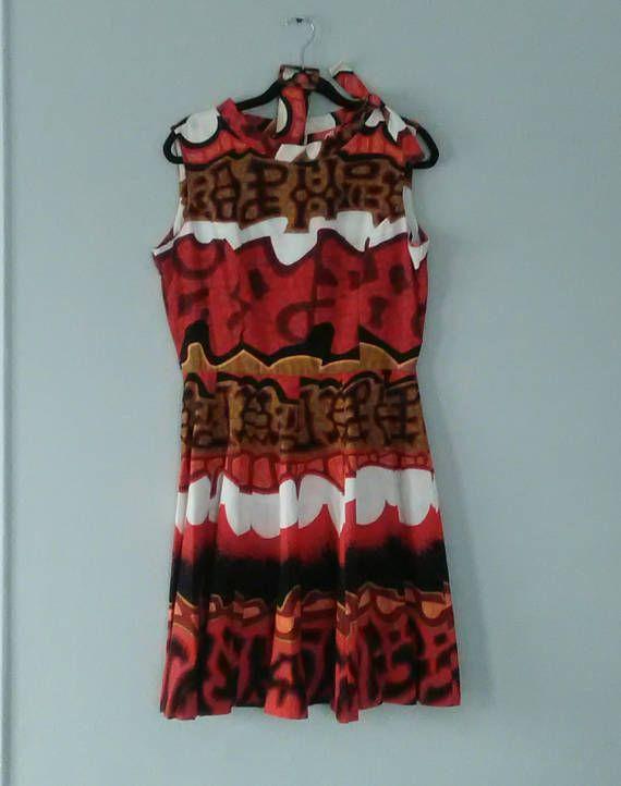 Vintage Barkcloth Tiki Dress- Volup  64d1b9941c5