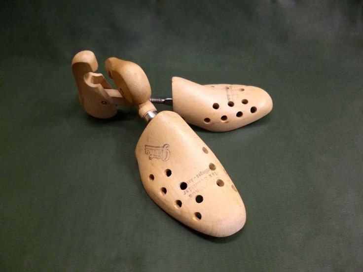 ein Paar ältere Schuhspanner aus Holz- GEOHA - verstellbar - für Gr. 37
