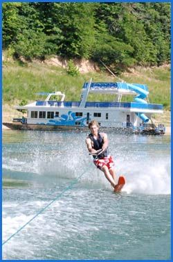Kentucky Lake State Park houseboat rental.  What a fun multi-generation vacation idea.