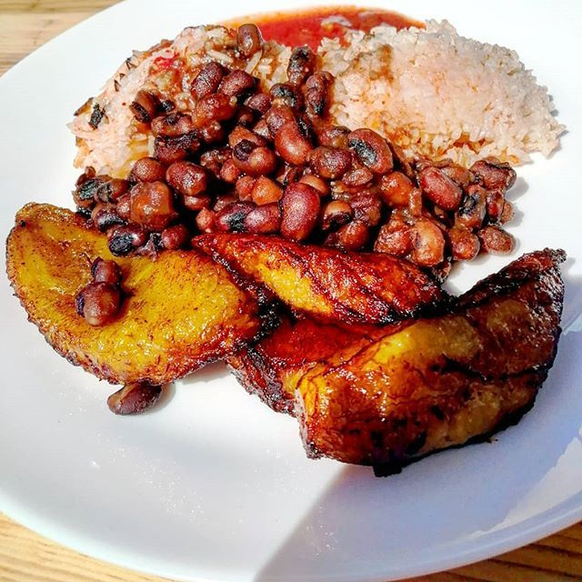 Our First Time Trying African Style Deep Fried Bananas On Sunday Had Us Hooked And Now We Want To Try All The African Food We C African Food Fried Bananas Food