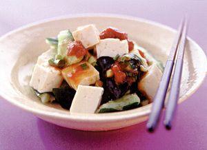 たたききゅうりと豆腐の梅肉あえ   藤野嘉子さんのレシピ【オレンジページnet】プロに教わる簡単おいしい献立レシピ