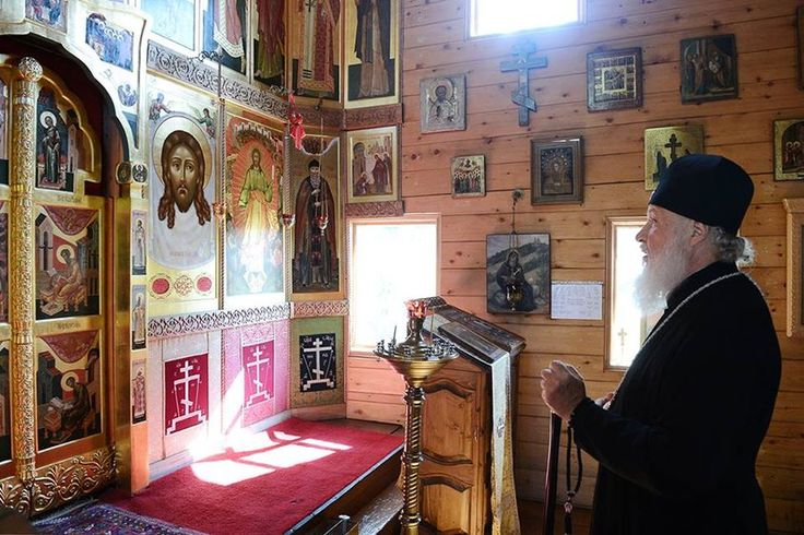 His Holiness Kirill in the church of The Joy of All That Sorrow of Holiest Theotokos.