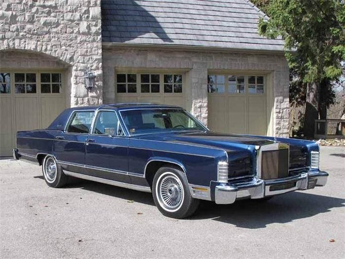 1979 Lincoln Town Car I Know Someone Who Still Has One Of These It S A Very Nice Ride Ive Drove Before