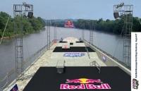 Patrocinado e criado pela Red Bull construído sobre uma barcaça enorme, este skatepark flutuante vai percorrer um total de 1.705 quilômetros de seu ponto de lançamento em Twin Cities de Minnesota até seu destino final de New Orleans, Louisiana.