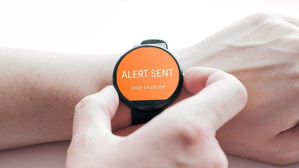 Call friends for help from Android Wear devices
